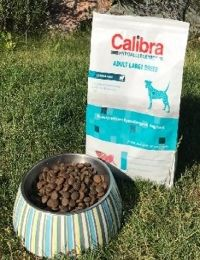 Granule Calibra Adult Large Breed - recenze